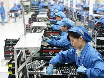 An toàn lao động cho công nhân tại các nhà máy điện tử