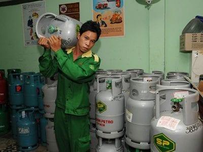 Lớp bồi dưỡng nghiệp vụ trong kinh doanh xăng dầu và gas LPG
