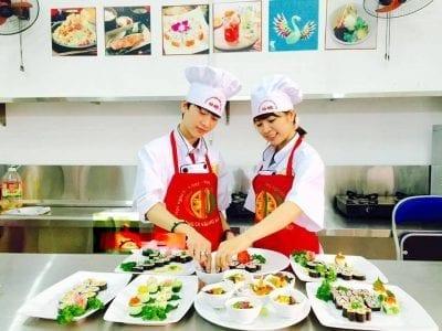 Lớp sơ cấp nghề nấu ăn