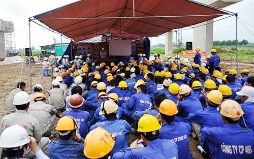 An toàn lao động để cho người lao động yên tâm công tác làm việc