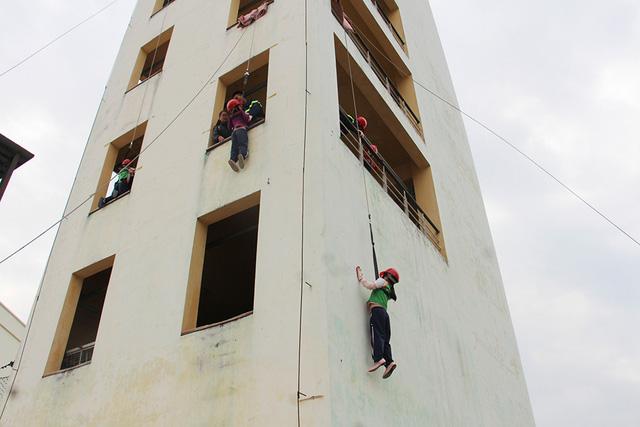 khóa huấn luyệnthoát hiểm nhà cao tầng 2